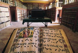 Interior of the library at the Yuso Monastery. San Millán de la Cogolla, La Rioja © Turespaña